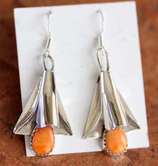 Navajo Spiny Oyster Earrings by L Yazzie